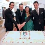 Foto ricordo dei premiati con taglio della torta: da sinistra, De Marco, il Presidente di Sezione Calzolari, Fecola, Marzaloni